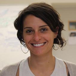 Julia Ramos - Facilitadora